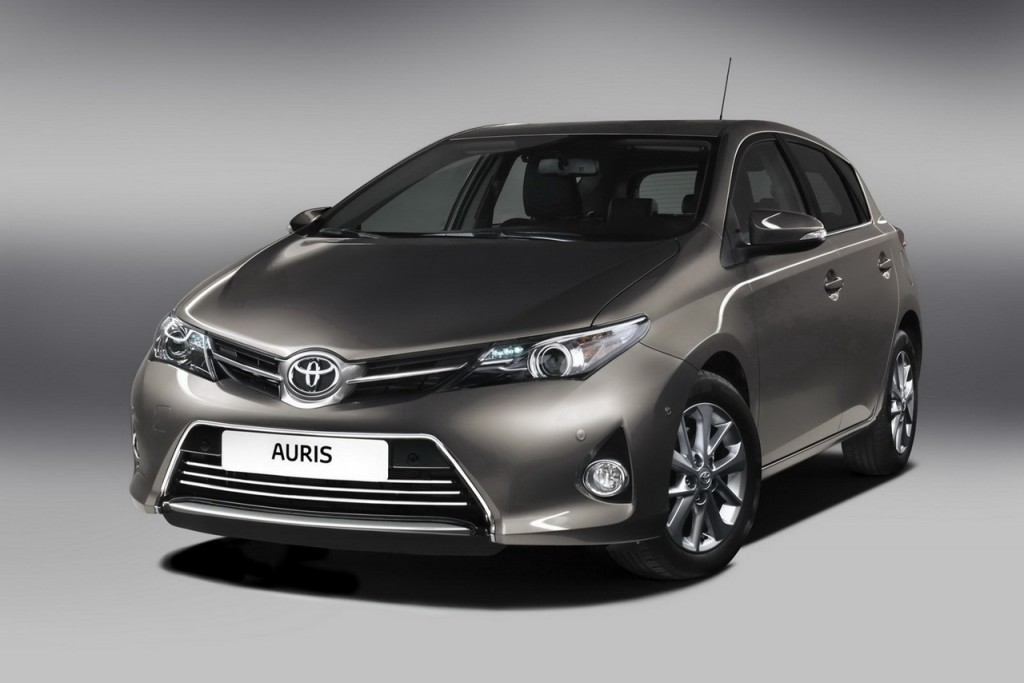 2013-Toyota-Auris-Front-Pictures